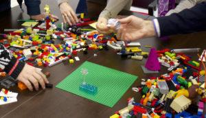 Desarrollo de Equipos con la Metodología LEGO® SERIOUS PLAY® PM Certifica Certificación Taller Curso PMP Gestion proyectos diplomado innovación lima perú PMI metodologías ágiles scrum master